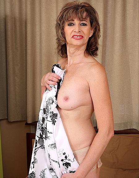 Judy Mature Breast Exposed