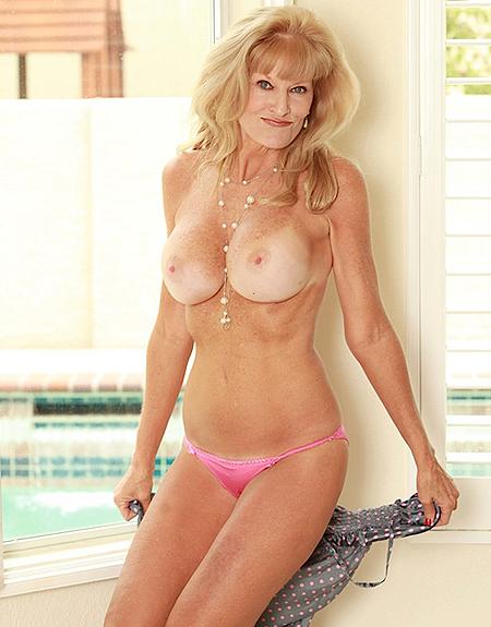 Topless Cam Raye