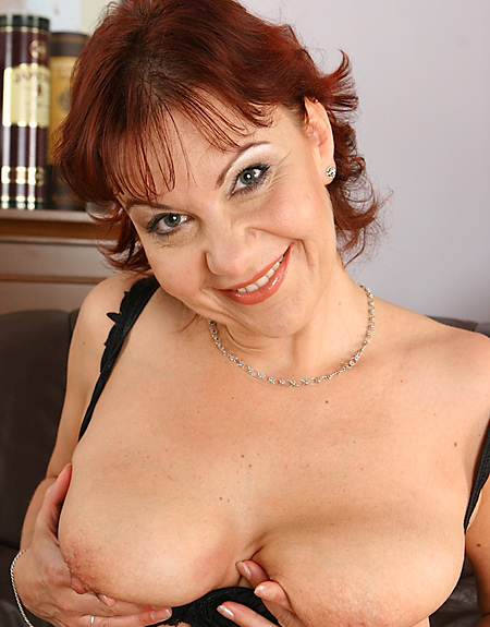 Nika Mature Tits